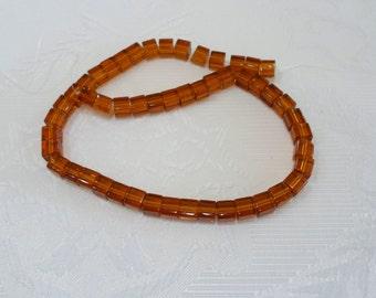 227-2 Perles de verre Strands, cube, couleur ambre 6 x6x6mm 1 corde