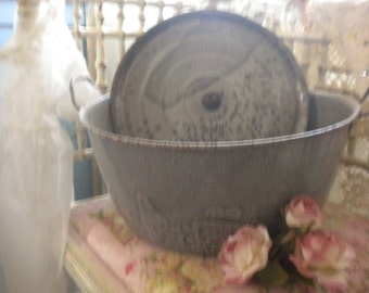 SALE....Large Graniteware Vintage Pot and Lid, Farmhouse,French Farmhouse,French Country,Primitive,Country