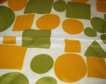"""1970's Avacado Green and Orange 26""""x26"""" Scarf made in Japan (All Acetate RN 3988)"""