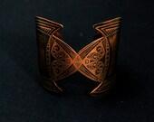 Medieval etched cuff - copper elven cuff - armour cuff - futuristic