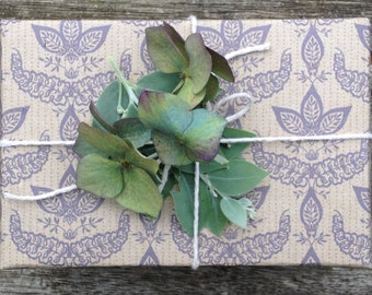 Beautiful Classic Wrapping, Scrapbooking or Origami Paper 'Parlour Mauve'