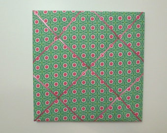 12X12 Green/Pink Floral Fabric Memo Board