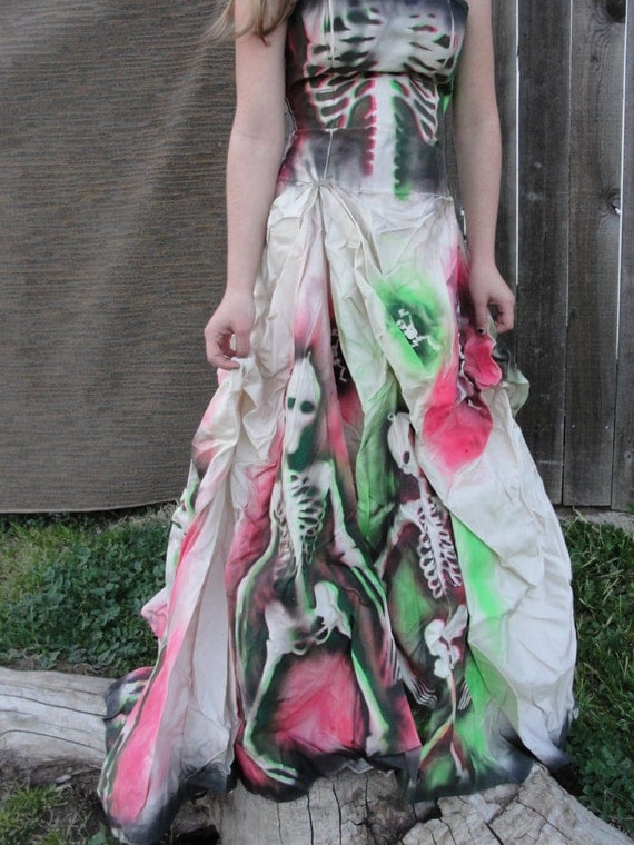 Small hand painted skeleton wedding dress dia de los muertos for Painted on wedding dress