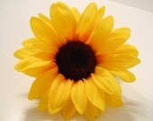 Large Sunflower Hair Clip, Daisy, Sun Flower Edc, Festival, Wedding, Flower Girl, Child, Retro, 60s, Photo Prop, Hippie, Barrette, Festivals