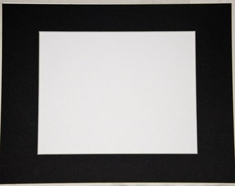 Black photo mat with creme core