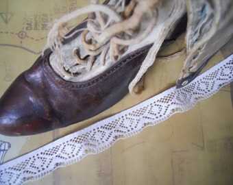 Antique 2 yds Art Deco White Intricate Lace Trim