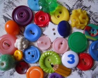 Vintage Shiny Happy Childrens Button Lot No.76