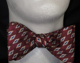 BOW TIE SILK Maroon Wine Navy Geometric Conservative Tasteful Versatile Small Print Repeat BowTie