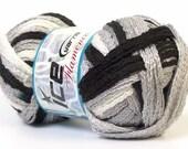 Ruffle scarf yarn. Black white grey multicolor bulky roving yarn
