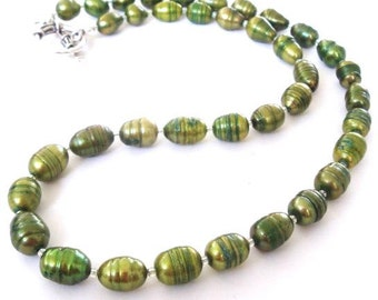 Green Freshwater Pearl Necklace, Green Pearl Necklace, Spring Green Necklace, Pearl Strand Necklace, Olive Green Necklace