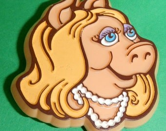 Sale! Sassy & Sweet  Miss Piggy Pin Brooch 1979