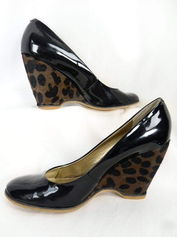 80s vintage leopard heel wedgie pumps / pony skin/ round toed /patent leather 4 inch : size US 10 EUR 41/ US10