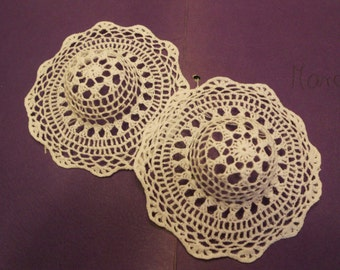 2 stiff white crochet fabric hats, great to decorate for spring, 14 cm, 5 1/2 innch (R5)