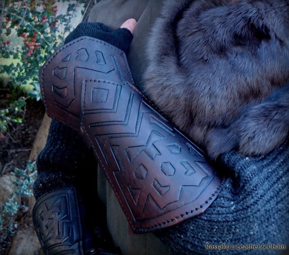 Thorin Oakenshield Bracers embossed leather costume cosplay accessory