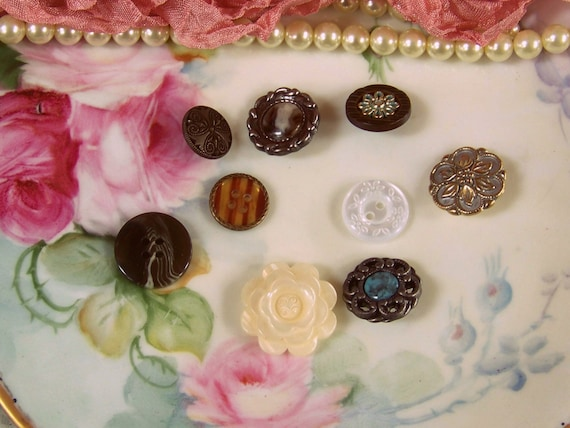 Scrapbook button assortment craft buttons paper craft for Decorative buttons for crafts