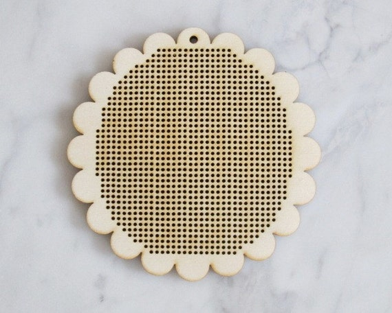 """Scalloped 4"""" wood veneer cross stitch embroidery needlepoint blank disc frame"""
