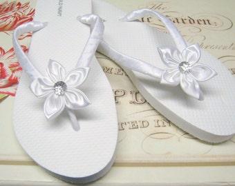 White Floral Bridal Flip Flops / Bridesmaid , Bridal Shower, Flower Girl, Birthday Party, Favor