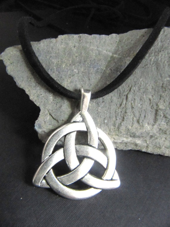 Men S Boy S Large Celtic Trinity Knot Necklace On