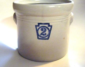1960's Pfaltzgraff Yorktowne Crock Number Two Retired Piece