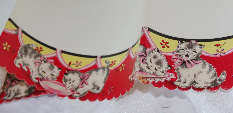 Vintage 1950s Shelf Liner Paper Kittens Cats Eating