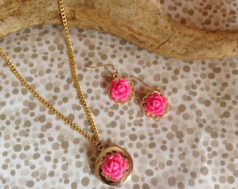 Upcycled Gold locket with pink rose set