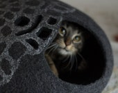 Cat bed/cat cave/cat house/lace inspiration felted cat cave (With GIFT pad)