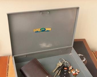 Vintage 1965 Rustic Box