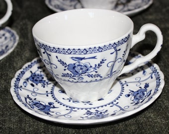 Set of 4 JOHNSON BROTHERS INDIES Pattern Cups and Saucers Blue Floral with Birds