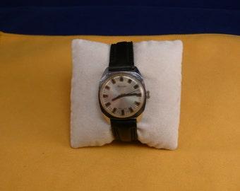 """Ussr (Soviet Union)  """"RAKETA"""" (rocket)  wrist watch 1960  Very rare white metal dial VERY Very good"""