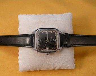 "Ussr Unusual  ""Raketa"" wrist watch 1960-70  unusual case ULTRA rare black dial Perfect"