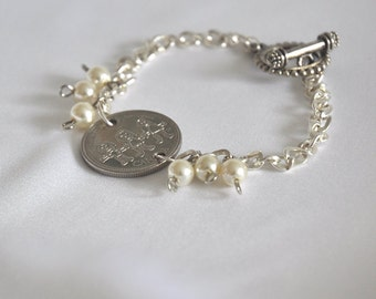 GIFT for MOM Specialty Coin Bracelet, Canadian Quarter celebrating Kids, Families, Silver chain link bracelet, 6 quality pearls