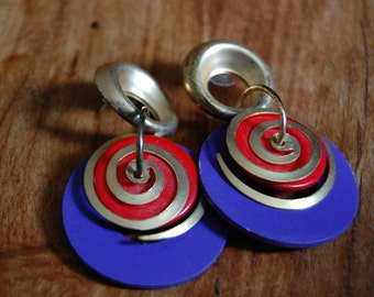 Vintage FUNKY Goldtone Funky Swirl Designed Earrings