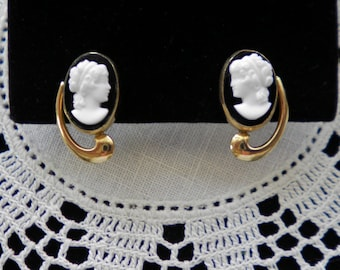 Signed VAN DELL Vintage USA Cameo Earrings c 1950,  Gift Quality
