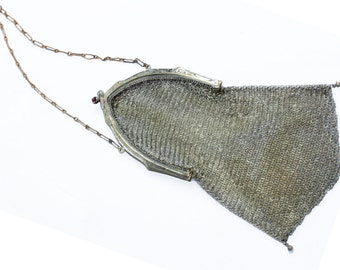 Antique Whiting & Davis silver soldered mesh/chainmail purse with amethyst kisslock closure, short chain