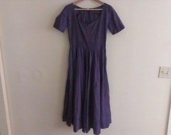 50s vintage women's medium shiny muted purple full cotton skirt dress