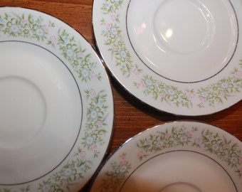 Vintage Springtime by  by TAIHEI / 7 Assorted Plates