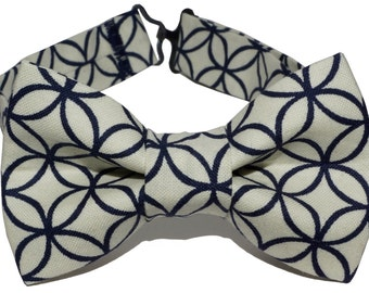 Bow Tie - White w/ Abstract Circles Bowtie