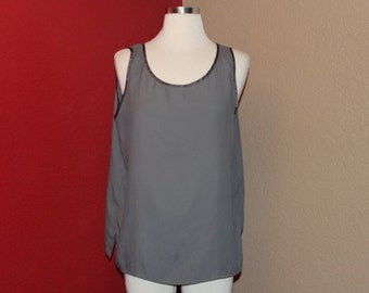 GREY // VINTAGE //  sleeveless // BLOUSE
