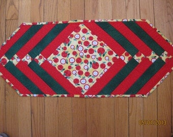 Bright Red Apples Table Runner