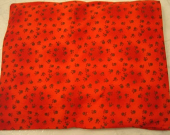 Red Paws Print Back Warmer Corn Cozie