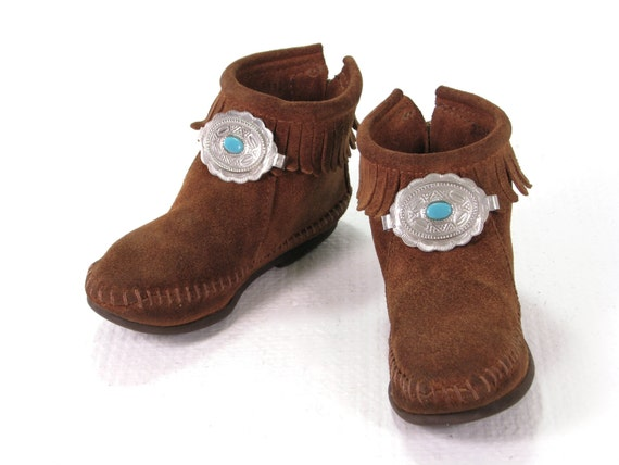 how to clean smelly moccasins