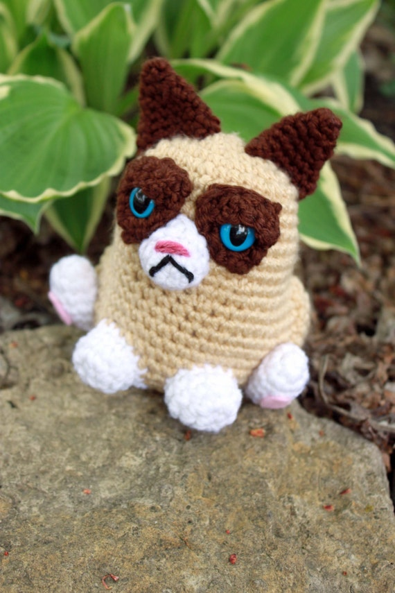 Grumpy Cat Amigurumi Pattern Free : Grumpy Cat Crochet Plush
