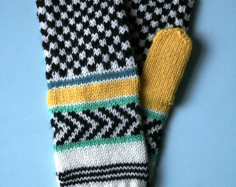 HAPPY MITTENS - squares and arrows -PDF knitting pattern