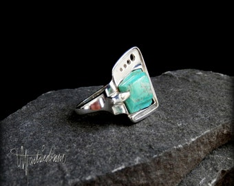 Sterling Silver Contemporary Turquoise Ring