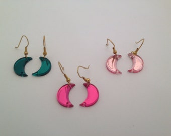 Gold plated earring with half moon variety of 3 colors green, light pink and deep pink