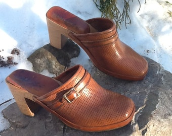 Vintage Italian Leather and Wood Mules Size 5