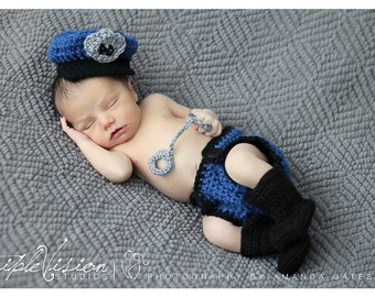 Police officer hat, diaper cover, handcuffs, boots. Newborn baby police prop set. Newborn photo prop police beanie.