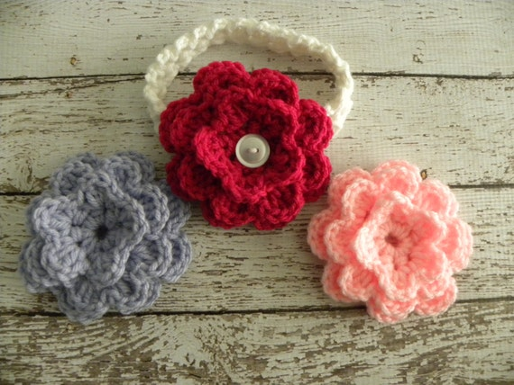 Interchangeable Crochet Flower Pattern : Crochet flower headband with three interchangeable flowers.