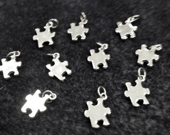 10Pc Autism Awareness  Pendant Charm Lead Free Pewter, Silver puzzle Charm - Puzzle piece charm - PPP671