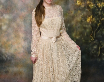 Vintage Party Dress in champagne colored silk with lace overly
